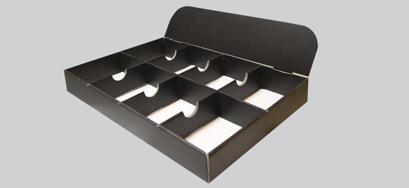 Pultkínáló doboz